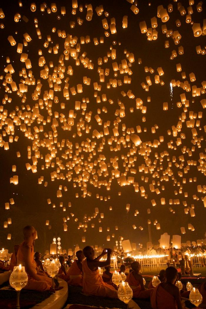 floating-lanterns-thailand.jpg (JPEG Image, 700 × 1049 pixels) - Scaled (56%)