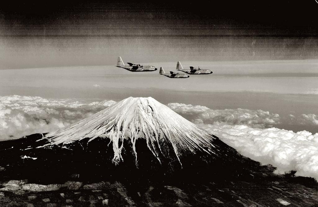 F&O Forgotten Nobility (robotcosmonaut: U.S. Planes over Mount Fuji,...)