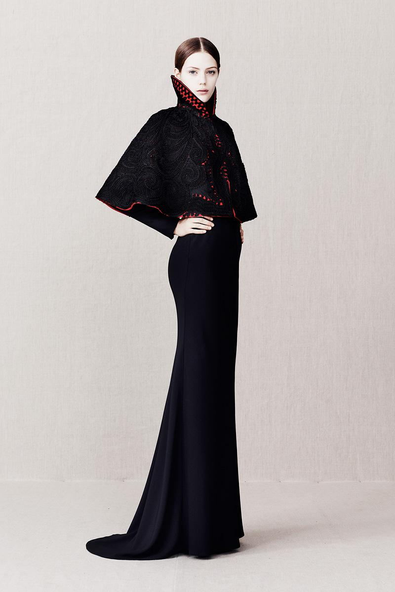 Alexander McQueen Pre-Fall 2013 - Runway Photos - Fashion Week - Runway, Fashion Shows and Collections - Vogue - Vogue