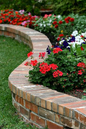 Flower Bed Edging - Buzzle