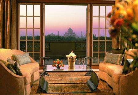Hotels with a Jaw-Dropping View: Taj Mahal, Agra, India - Bing Travel