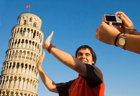 World's Worst Tourist Traps: Leaning Tower of Pisa - Bing Travel
