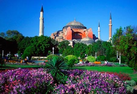 Spectacular Cathedrals and Churches: Hagia Sophia (Istanbul, Turkey) - Bing Travel