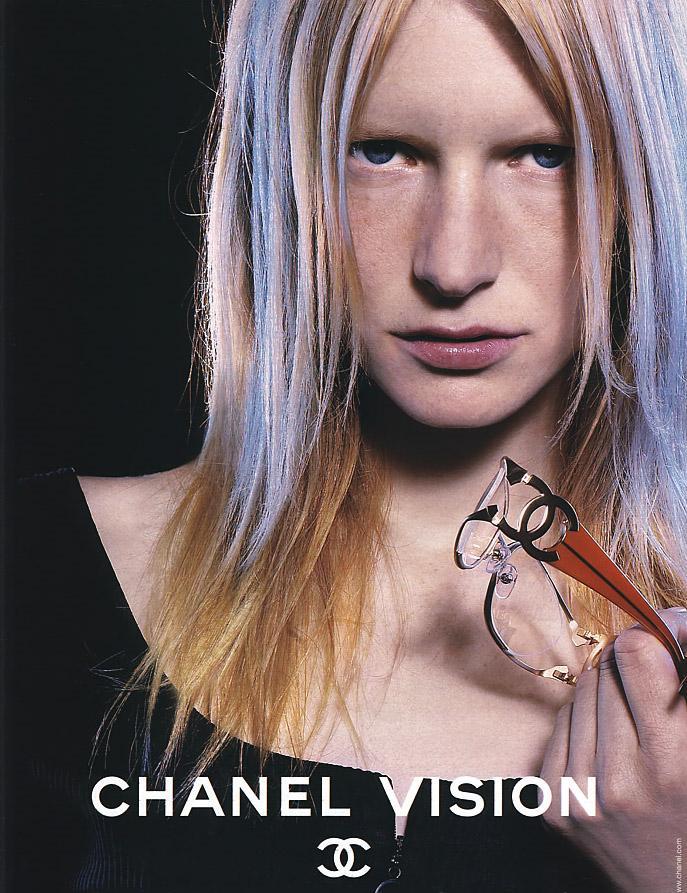 Ad--Kirsten-Owen-chanel-303086_687_893.jpg (687×893)