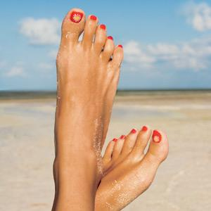 Résultats Google Recherche d'images correspondant à http://www.womenshealthmag.com/files/images/0906-pretty-feet.jpg