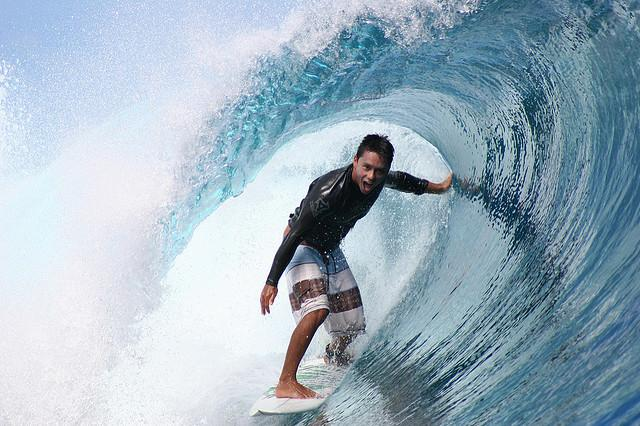Dennis Tihara is having the best time surfing at Teahupoo, Tahiti. | Flickr - Photo Sharing!