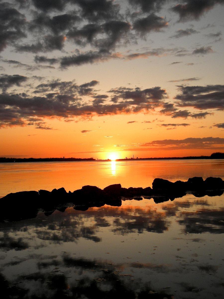 sunset 57 by ~revrendwilliam