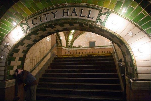 Hidden Splendor: NYC's Abandoned City Hall Station