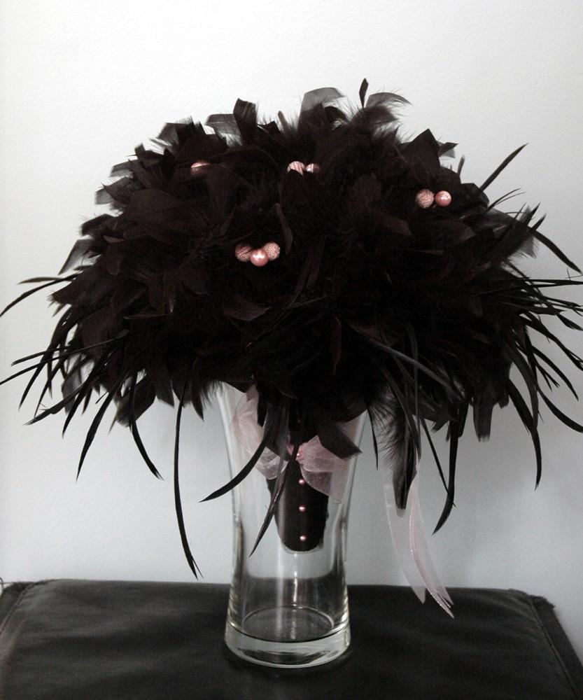 Google Image Result for http://www.besthudsonvalleyweddingever.com/images/stories/black-feather-bouquet.jpg