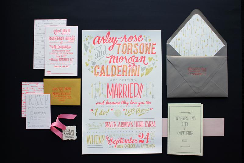 Ladyfingers-Letterpress-Neon-Hand-Lettering-Wedding-Invitations2.jpg 800×533 píxeles