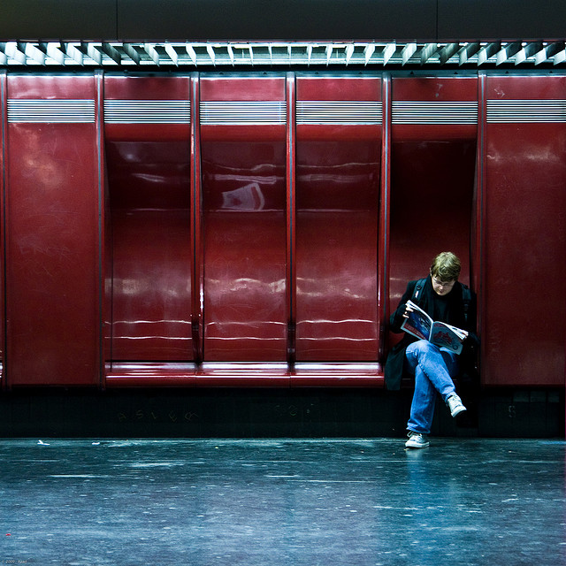 Rer A - Waiting .... | Flickr - Photo Sharing!
