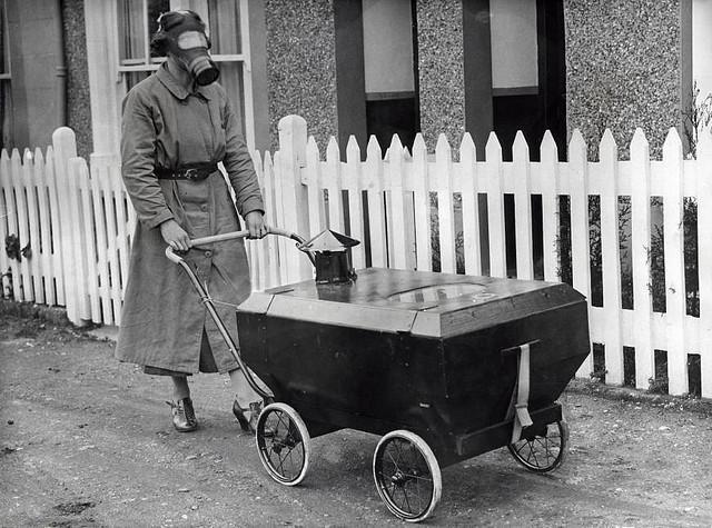Gasaanvalbestendige kinderwagen / Gas war resistant pram | Flickr - Photo Sharing!