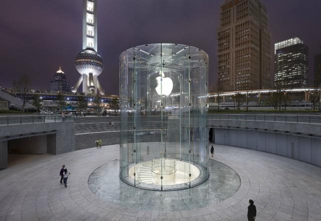 9 Innovative, Beautiful Apple Store Designs