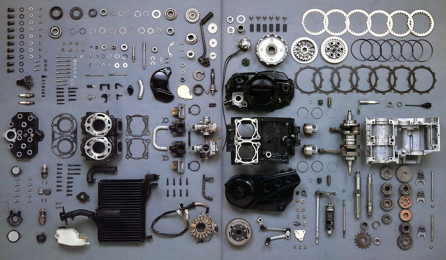 Things Organized Neatly: Yamaha RZ 350 engine