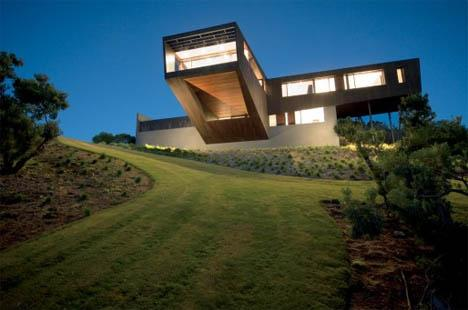 Best Deck Ever: Contemporary Cantilever House Design | Designs & Ideas on Dornob