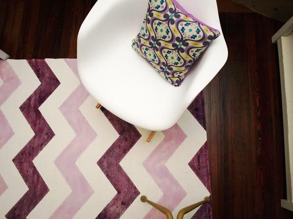 Little Green Notebook: DIY Chevron Rug