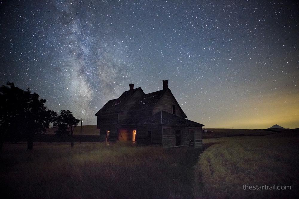 Abandoned Homes Under the Stars by Ben Canales | Best Bookmarks