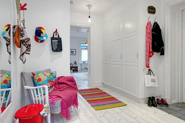 Jasne mieszkanie pe?ne kolorów | Szwedzki styl! - CzytajNiePytaj - Magazyn Online. Sztuka, Moda, Design, Kultura
