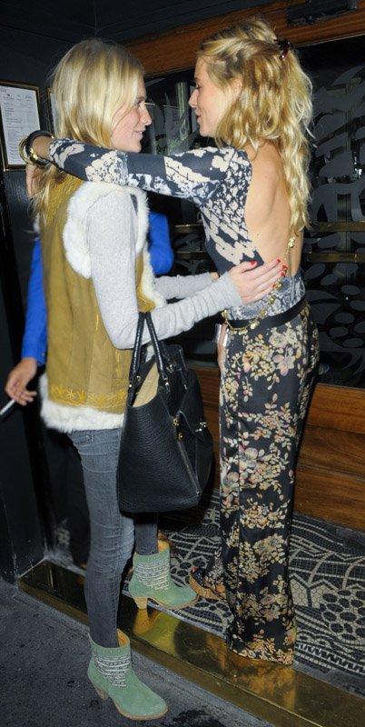 Sienna Miller with Poppy Delevingne | Celebrity-gossip.net