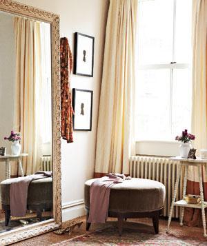 Google Image Result for http://img4.realsimple.com/images/0911/corner-dressing-room_300.jpg