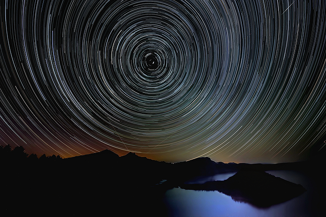 Star Trails over Crater Lake - JPG Photos