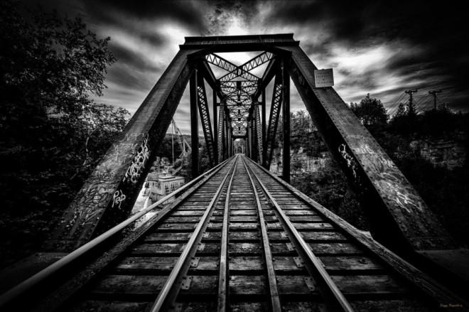 Black and White Photography by Peggy Metal-Bender | Photography Blog