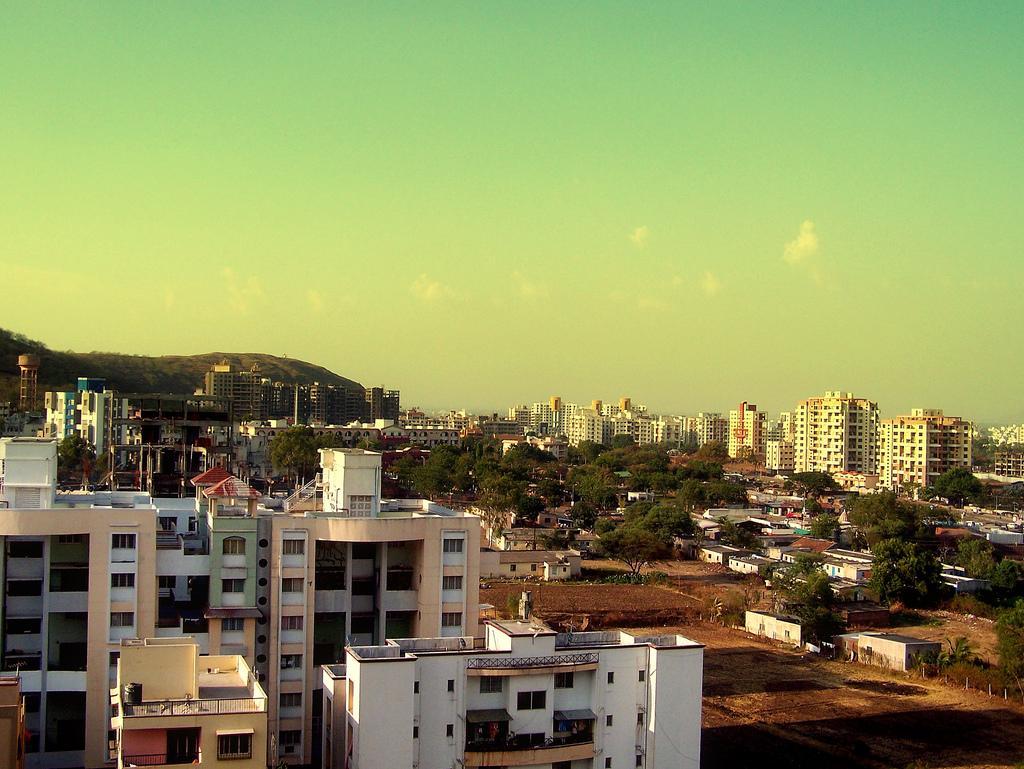 Pune_skyline.jpg (JPEG-Grafik, 1024×769 Pixel) - Skaliert (80%)