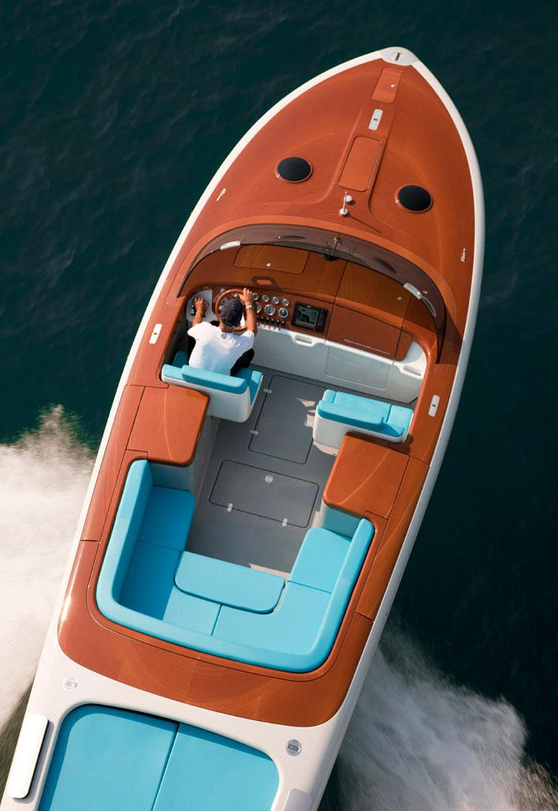 Riva Aquariva by Mark Newson Luxury Yacht | MOCO LOCO MR