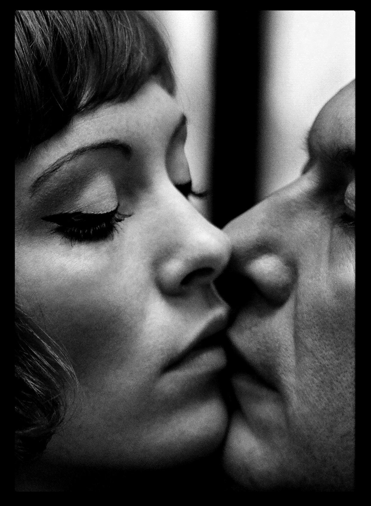 KISSING_thumb-2.jpg (JPEG-Grafik, 1244×1694 Pixel)