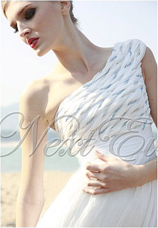 Simple White One Shoulder Chiffon Evening Gown