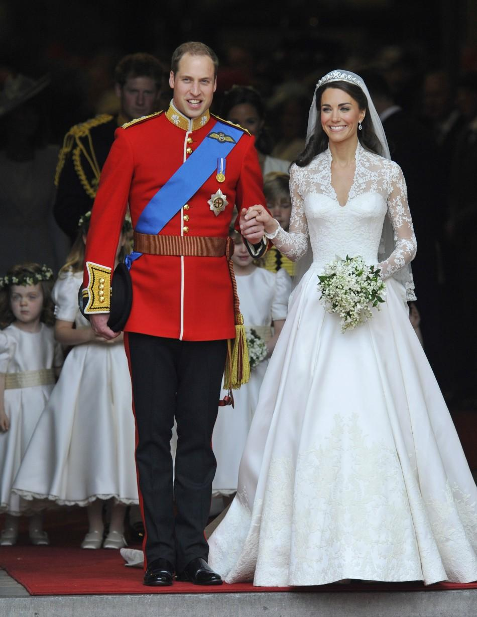 The Royal Wedding Procession 2011: Prince William and Duchess Catherine in London