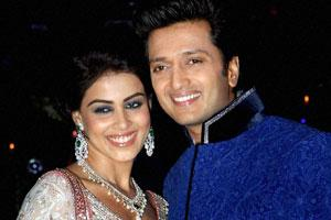 Riteish-Genelia church wedding a family affair | TopNews