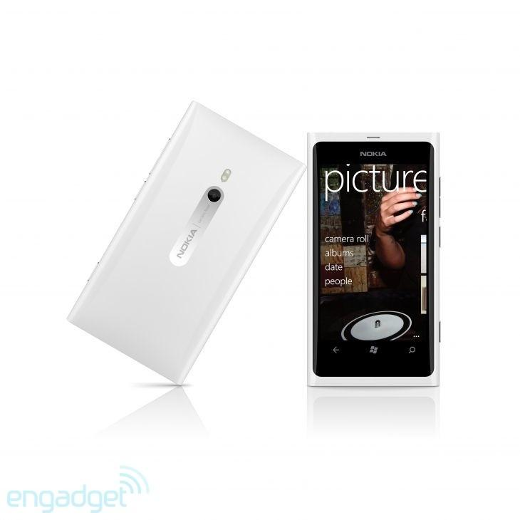 Nokia Lumia 800 in white - Engadget Galleries