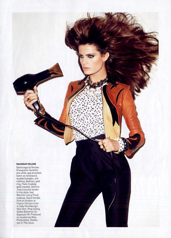 Google Image Result for http://viloux.com/fashion_news/article/2009/12/isabeli-fontana-december-american-vogue-2009.jpg