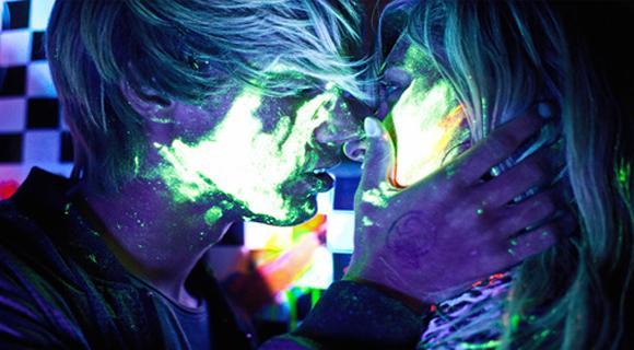 Absolutely Crazy 'Glow in the Dark Paint' Photography | HybridLava