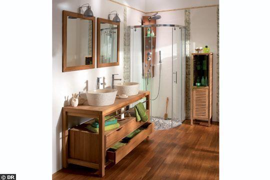 Salle de bains exotique - Le bois à l'honneur dans la salle de bains - CôtéMaison.fr