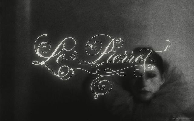 TYPESENSES »Parfumerie Script Pro« ? Le Pierrot (for widescreen displays) | Flickr - Photo Sharing!