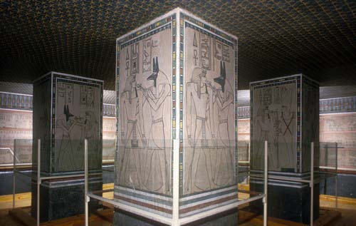 Amenophis II piliers tombe.jpg (500×317)