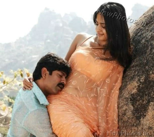 Saree Navel Kiss Images