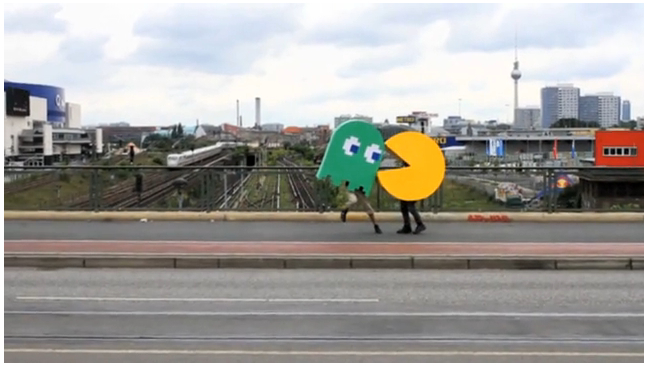 Pacman in an Urban Environment - DesignTAXI.com