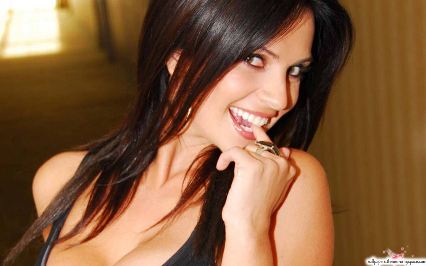 Google Image Result for http://wallpapers.themesformyspace.com/uploads/images/denise-milani-1440x900-34896.jpg