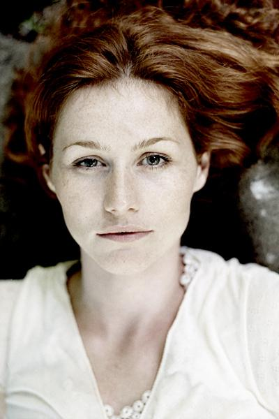 Portrait singles : Photographer Laerke Posselt +45 22 93 24 66