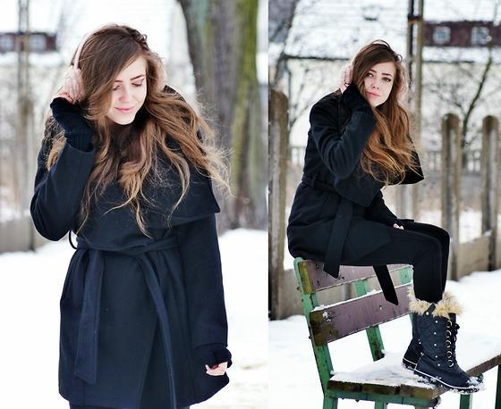 Zara Coat, Primark Earmuffs, Sorel Snow Boots //