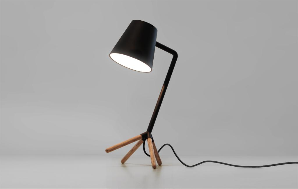 Slightly Awkward Lamp – Nonlinear Studio