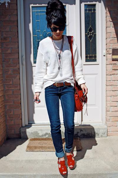 Navy Garage Jeans, Red J Lo Heels, Eggshell American Apparel Jumpers |