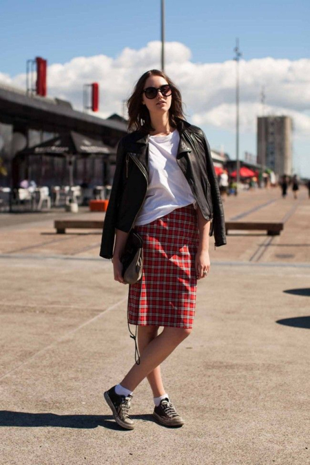 plaid-pencil-skirt-leather-jacket.jpg (450×675)