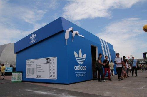 Look at this Real Big Thing! - Adidas shoe box store - viasudafed: Whoa, I...