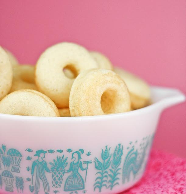 Sprinkle Bakes: Vanilla Bean Baby Doughnuts
