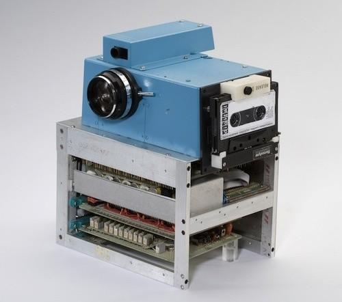 Piccsy :: How Kodak Built a FrankenCamera to Take Digital Photos in 1975