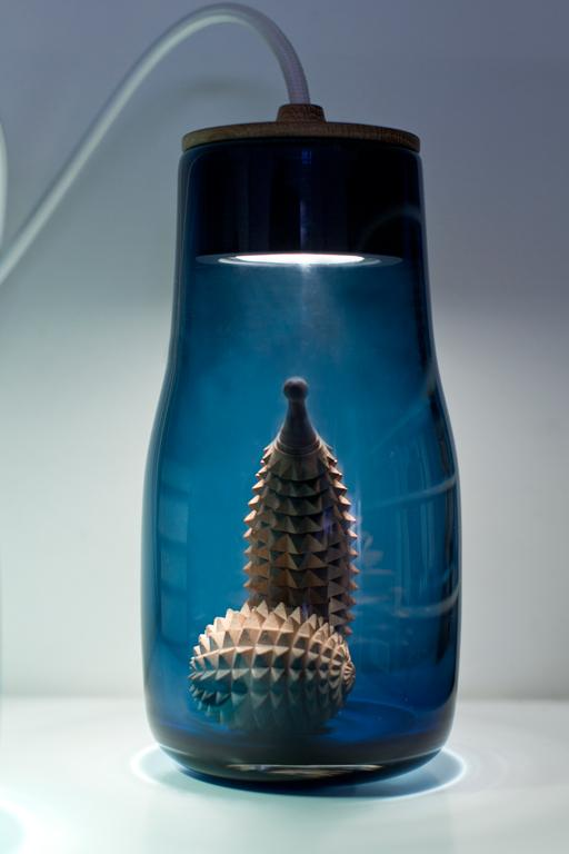 http://mocoloco.com/fresh2/upload/2012/02/light_jars_by_kristine_five_melvaer/light_jars_kristine_five_melvaer_2.jpg